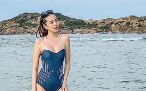 """BTV Mai Ngọc hiếm hoi mặc bikini quyến rũ ở biển, """"đốt mắt"""" khán giả"""