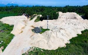 Quảng Ngãi: Bãi chứa cát trái phép trên đất công