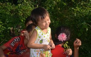 Ám ảnh với tiếng cười của 4 đứa trẻ mồ côi bên dòng sông Ba Chẽ