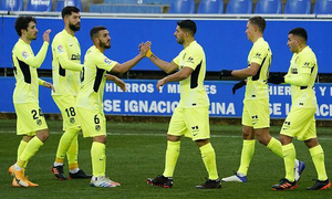 Suarez lại tỏa sáng, Atletico Madrid lên đầu La Liga