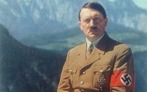 Hitler thật sự đã trốn thoát bằng cách... phẫu thuật thẩm mỹ?