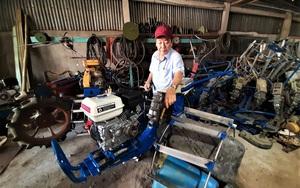 """Ông nông dân Cà Mau sáng chế chiếc máy cày thần thánh có thể """"bơi"""" chỉ nặng 100kg, nhiều người bất ngờ tới xem"""