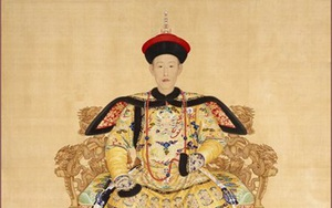 Vì sao Hòa Thân luôn được vua Càn Long sủng ái?