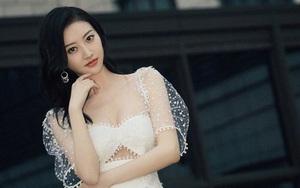 """Vì sao """"mỹ nhân Bắc Kinh"""" Cảnh Điềm vẫn luôn được ưu ái dù bị chê diễn dở?"""