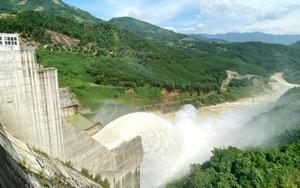 """Quảng Ngãi: Huyện nghèo """"gánh"""" 9 dự án đầu tư thuỷ điện"""