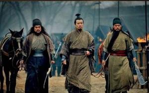 Tại sao thái độ của Trương Phi và Quan Vũ đối với Lữ Bố lại khác nhau?