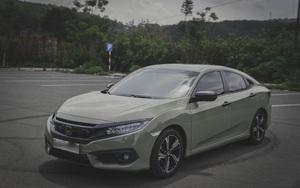 """Honda Civic chạy hơn 3 vạn km, """"độ"""" lạ mắt, rao bán giá hấp dẫn"""
