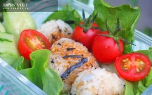 Thử làm cơm nắm rong biển sốt đậu nành kiểu Nhật