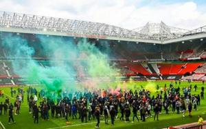 Trận M.U gặp Liverpool bị hoãn vô thời hạn