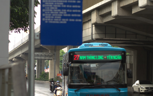 Hà Nội: Xe buýt, xe khách, taxi sẵn sàng hoạt động trở lại