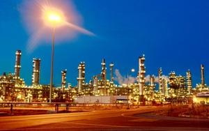 Giá dầu thế giới tăng mạnh - Cổ phiếu ngành dầu khí trong nước sẽ hưởng lợi lớn