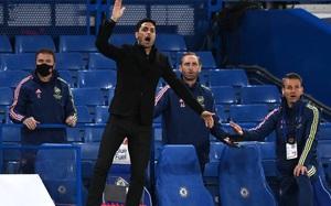 Arsenal vượt qua Chelsea, HLV Arteta thừa nhận ăn may