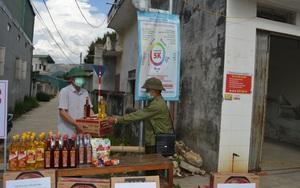 Điện Biên: Hội Nông dân tặng quà khu vực phong tỏa phòng, chống Covid- 19