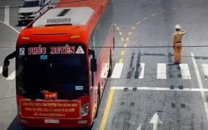 CSGT Bắc Giang đứng nghiêm chào đoàn chi viện chống dịch Covid-19 từ Quảng Ninh