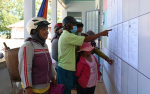 Ninh Thuận: Vào tận vùng miền núi tuyên truyền bầu cử bằng miệng cho bà con dân tộc Raglai không biết chữ