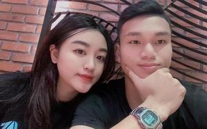 """Cầu thủ """"nghèo"""" nhất U23 Việt Nam kể """"nỗi khổ"""" của vợ xinh"""