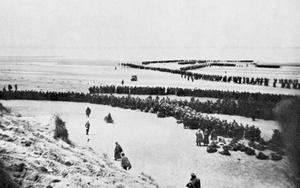 Quyết định nào khiến Hitler lỡ cơ hội xóa sổ quân đội Anh?