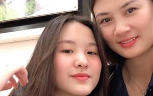 """Hoa khôi bóng chuyền Kim Huệ tiết lộ điều bất ngờ về con gái xinh đẹp, dạy con kiểu """"lạt mềm buộc chặt"""""""