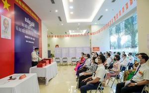 Video: Gạt nỗi lo Covid-19, người dân Hà Nội náo nức trong ngày hội bầu cử