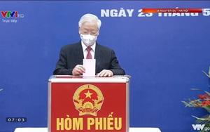 Video: Tổng Bí thư Nguyễn Phú Trọng bỏ lá phiếu bầu cử tại Hà Nội