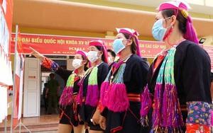 Rộn ràng sắc mầu người Dao ở huyện miền núi vùng cao của Quảng Ninh trong ngày hội bầu cử