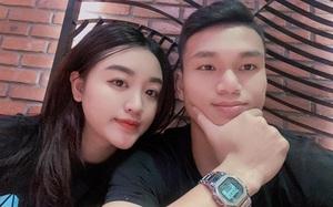 """Cầu thủ """"nghèo"""" nhất U23 Việt Nam: Cưới vợ xinh, mua xế hộp """"xịn"""", sắp bỏ túi 5 tỷ đồng"""