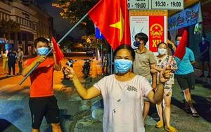 """Khu vực đầu tiên tại Đà Nẵng được dỡ phong tỏa vì Covid-19: """"Mừng lắm, y như Tết vậy!"""""""