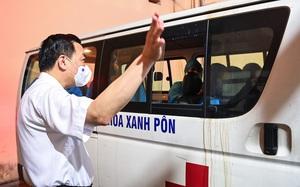 """Cơ sở pháp lý nào để Hà Nội ra quy định """"cán bộ ra khỏi TP phải được thủ trưởng đồng ý""""?"""