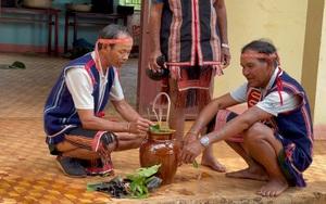 Lễ cúng Giọt nước của dân tộc Jrai ở tỉnh Gia Lai: Thần linh cũng vui buồn, biết giận hờn, biết yêu thương