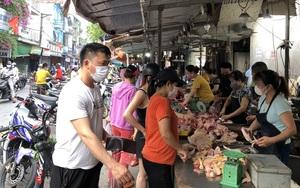 """Công nhân tại các nhà trọ ở Bắc Ninh: Yêu cầu """"nội bất xuất - ngoại bất nhập"""""""