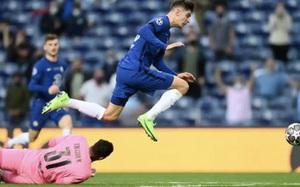 Cơn ác mộng trở lại với Pep, Man City gục ngã trước Chelsea