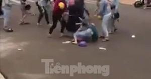 10 nữ sinh hỗn chiến vì một cuộc tình tay ba