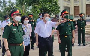 """Video: Chủ tịch Hà Nội chỉ đạo """"nóng"""" sau khi thị sát khu cách ly có nhiều ca mắc Covid-19"""