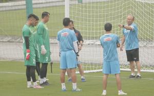 Đội tuyển Việt Nam được cảnh báo nghiêm ngặt tuân thủ quy định phòng chống dịch Covid-19