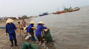 Từ 10/7/2021, vứt rác thải sinh hoạt bừa bãi bị phạt tới 2 triệu đồng