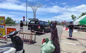 Cảnh hàng hoá tấp nập vào vùng cách ly y tế ở TP Hà Tĩnh