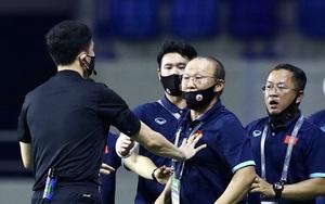 Vừa thắng Malaysia xong, ĐT Việt Nam nhận hung tin về thầy Park