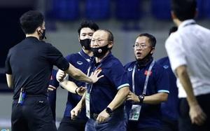 """Hồng Duy bị """"đốn"""", HLV Park Hang-seo đòi ăn thua với cầu thủ cao 1m92"""