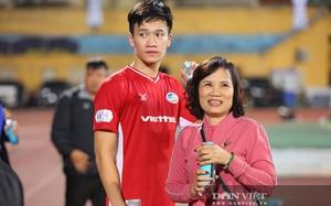 """Mẹ Nguyễn Hoàng Đức bật mí chuyện lấy vợ của cậu con trai """"hotboy"""""""
