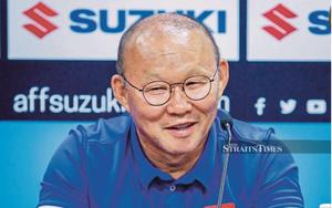 """Báo Malaysia ca ngợi tài """"điều binh khiển tướng"""" của HLV Park"""