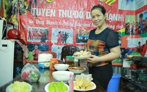 Mẹ hậu vệ Duy Mạnh sẽ làm cỗ, đãi con món sườn xào chua ngọt nếu Việt Nam đi tiếp tại VL World Cup 2022