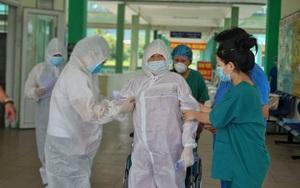 Đà Nẵng: Bệnh nhân Covid-19 81 tuổi từng lọc máu liên tục, thở máy xuất viện