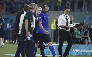 Italia trả giá đắt cho tấm vé sớm vào vòng 1/8 EURO 2020