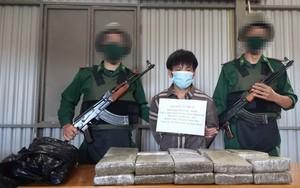 Clip: Vây bắt đối tượng người Lào vận chuyển 20 bánh cần sa khô qua biên giới ở Quảng Bình