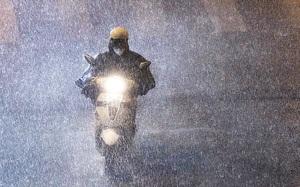 """Hà Nội đón """"cơn mưa vàng"""", nhiệt độ giảm sâu và thời tiết mát mẻ, dễ chịu"""