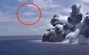 UFO xuất hiện gần vụ nổ thuyền của Hải quân Mỹ?