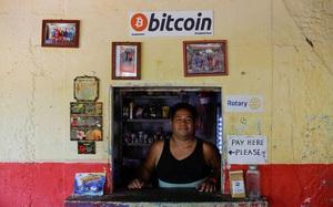 Quốc gia đầu tiên dùng bitcoin là phương tiện thanh toán tặng tiền ảo cho người dân