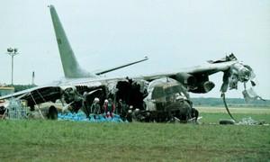 4 tai nạn máy bay quân sự thảm khốc vì đâm phải... chim trời