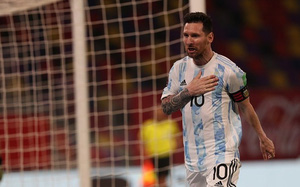 Messi nổ súng, Argentina vẫn bị Chile cầm hòa