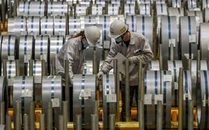 """Doanh nghiệp Trung Quốc """"càng sản xuất càng lỗ"""" khi giá sản xuất tăng vùn vụt"""